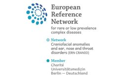 Das Bild zeigt das Siegel des European Reference Networks for rare or low prevalence complex diseases (ERN CRANIO).